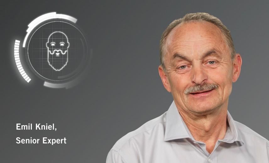 Senior Experts Emil Kniel Mercedes-Benz
