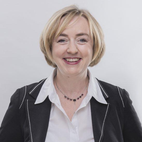 Porträtfoto Prof. Dr. Claudia Bünte